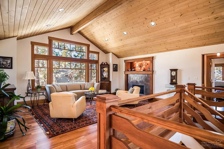 Spectacular Cozy Retreat